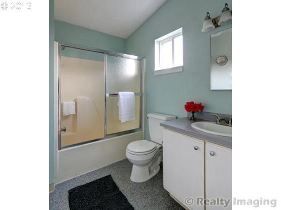 Brooklyn Town Home Bathroom