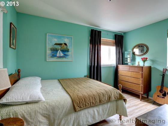 Brooklyn Town Home Guest Bedroom